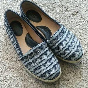 Born Concept b•o•c Women's Canvas Slip On Shoes 6M